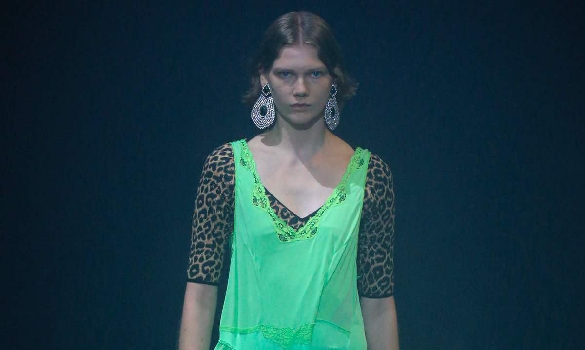Balenciaga : Runway - Paris Fashion Week Womenswear Spring/Summer 2018