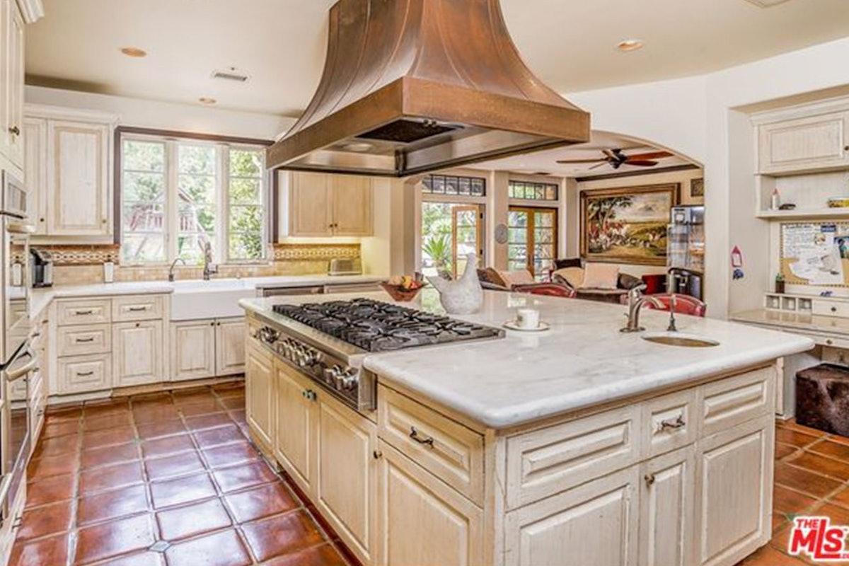 Charlie-Sheen-Sells-Another-Mulholland-Estates-Mansion-062416-KITCHEN-2.jpg