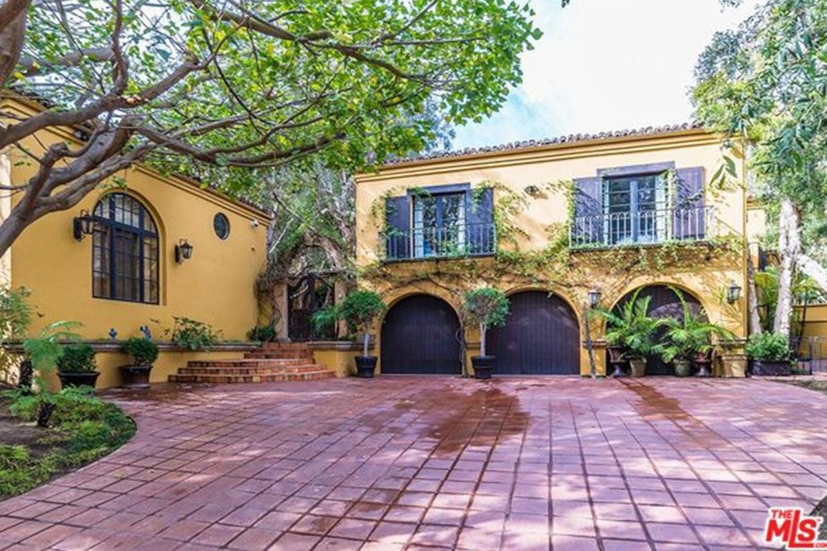 Charlie-Sheen-Sells-Another-Mulholland-Estates-Mansion-062416-GARAGE.jpg