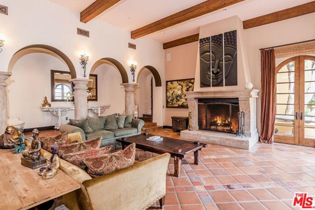 Charlie-Sheen-Sells-Another-Mulholland-Estates-Mansion-062416-LIVING-2.jpg