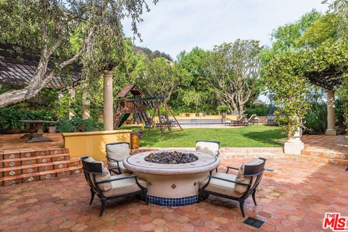 Charlie-Sheen-Sells-Another-Mulholland-Estates-Mansion-062416-PATIO-2.jpg