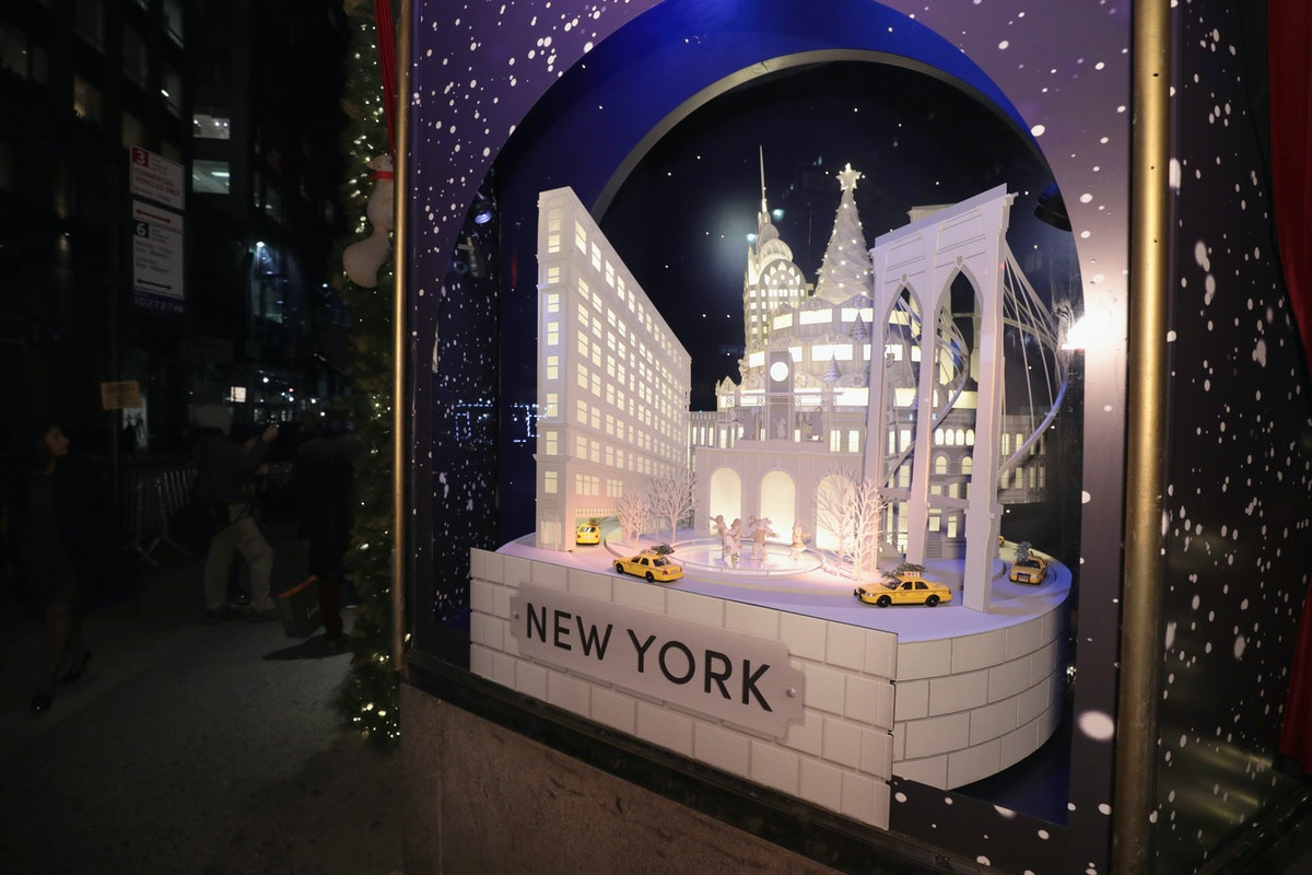 Lord & Taylor Holiday Window Unveiling 2017 With Jessie James Decker