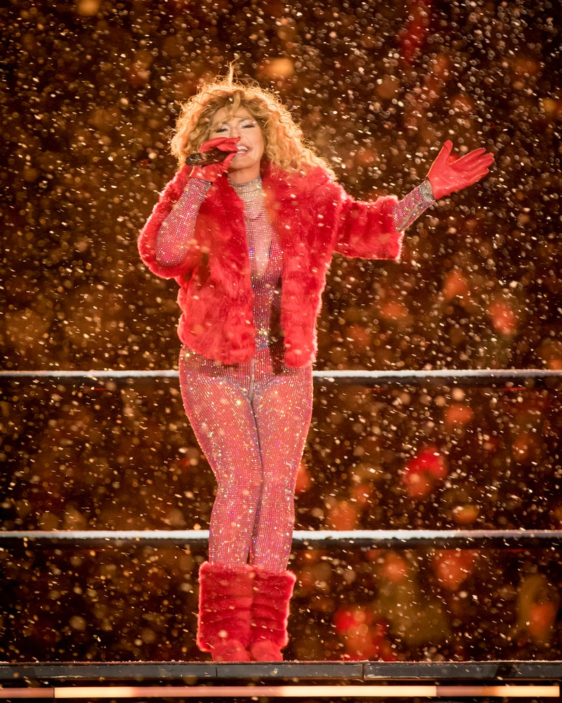 Shania Twain's Grey Cup halftime show in a blizzard