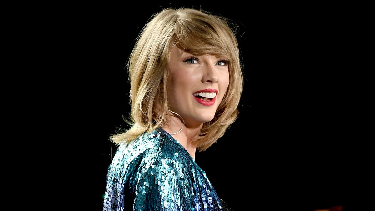 Taylor Swift's Reputation Album Is Now on Streaming Services