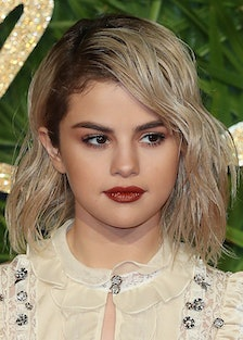 Selena Gomez Puts Instagram on Private After Posting Cryptic Message & Screenshot