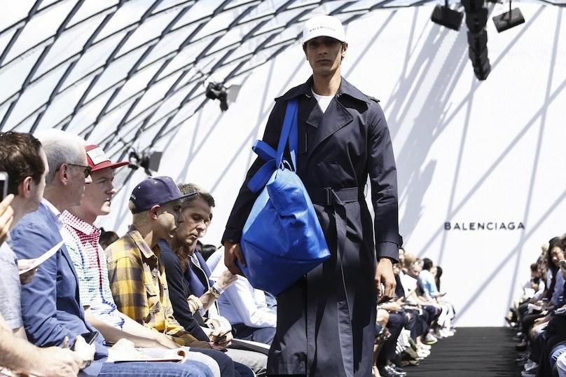 Balenciaga-Mens-SS17-Paris-1122.jpg