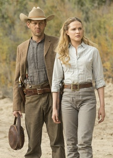 westworld-finally-confirms-there-are-more-worlds.jpg