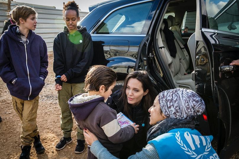 angelina-jolie-takes-children-syrian-refugee-camp-01.jpg