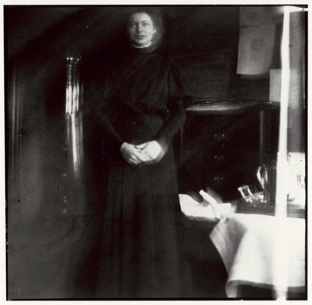 Sykesøster i sort, Dr. Jacobsons klinikk