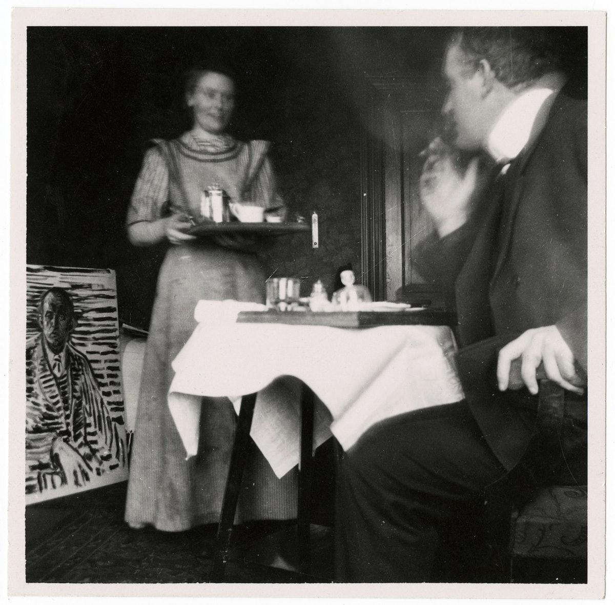 Edvard Munch ved frokostbordet på Dr. Jacobsons klinikk