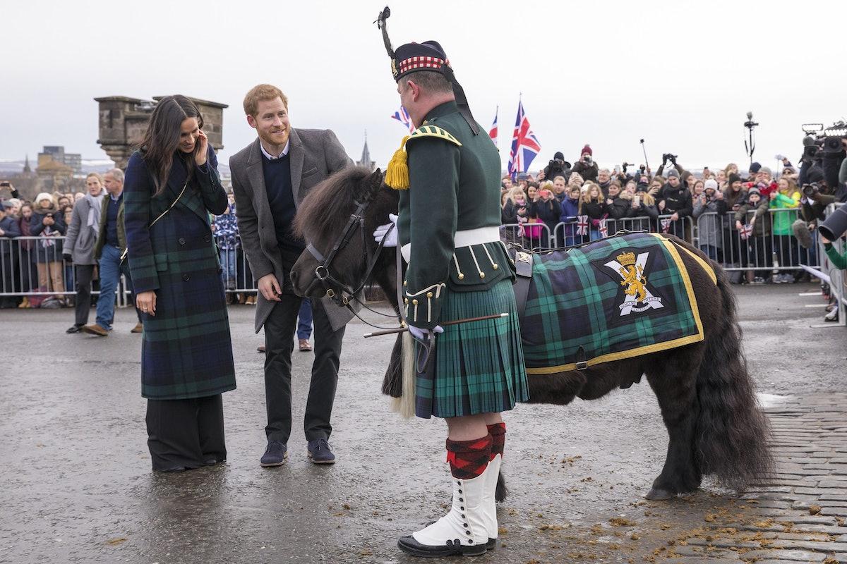 prince-harry-meghan-markle-pony-scottland-visit-02.jpg