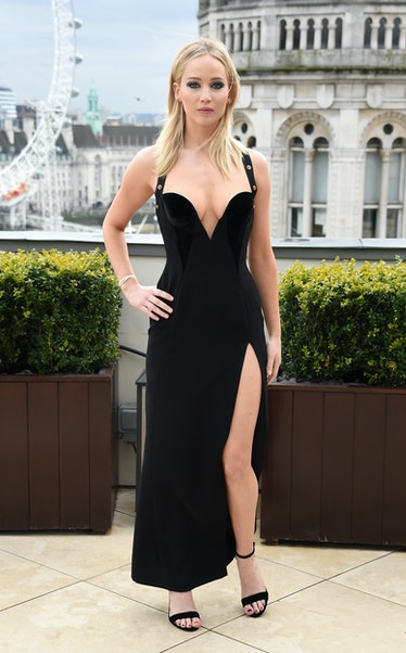 jennifer-lawrence-sexist-comments-over-dress-red-sparrow-photocall-01.jpg