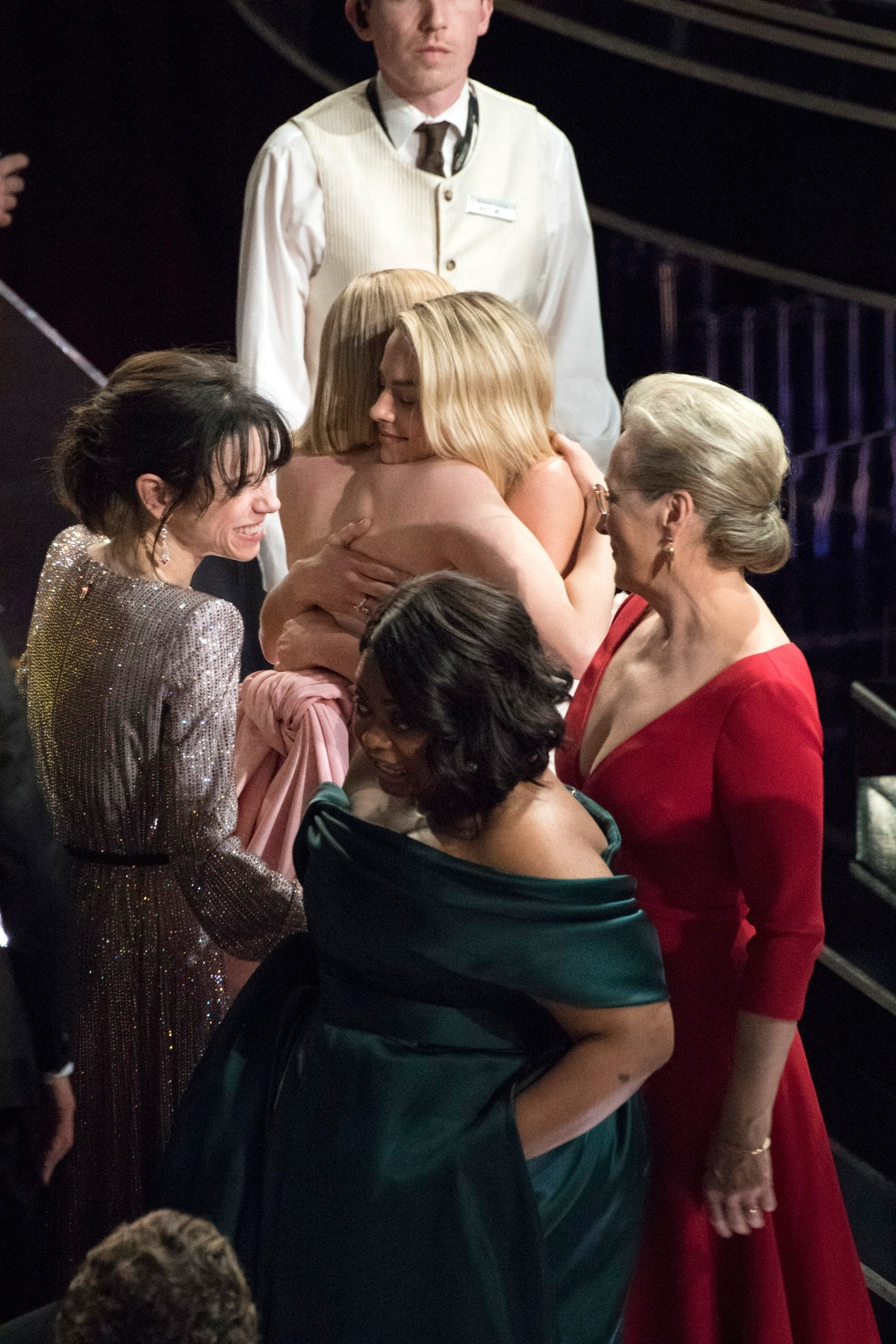 best-actress-losers-hug-oscars-2018-02-NEW.jpg