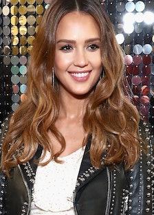 jessica-alba-pregnancy-hair-new-haircut.jpg