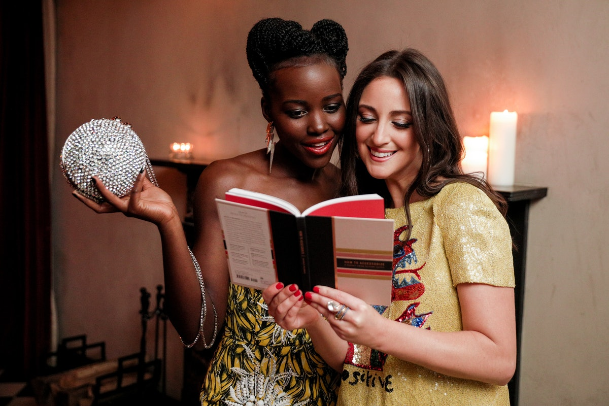 """SCHUTZ Hosts an Intimate Dinner to Celebrate : Micaela Erlanger's """"How to Accessorize"""""""