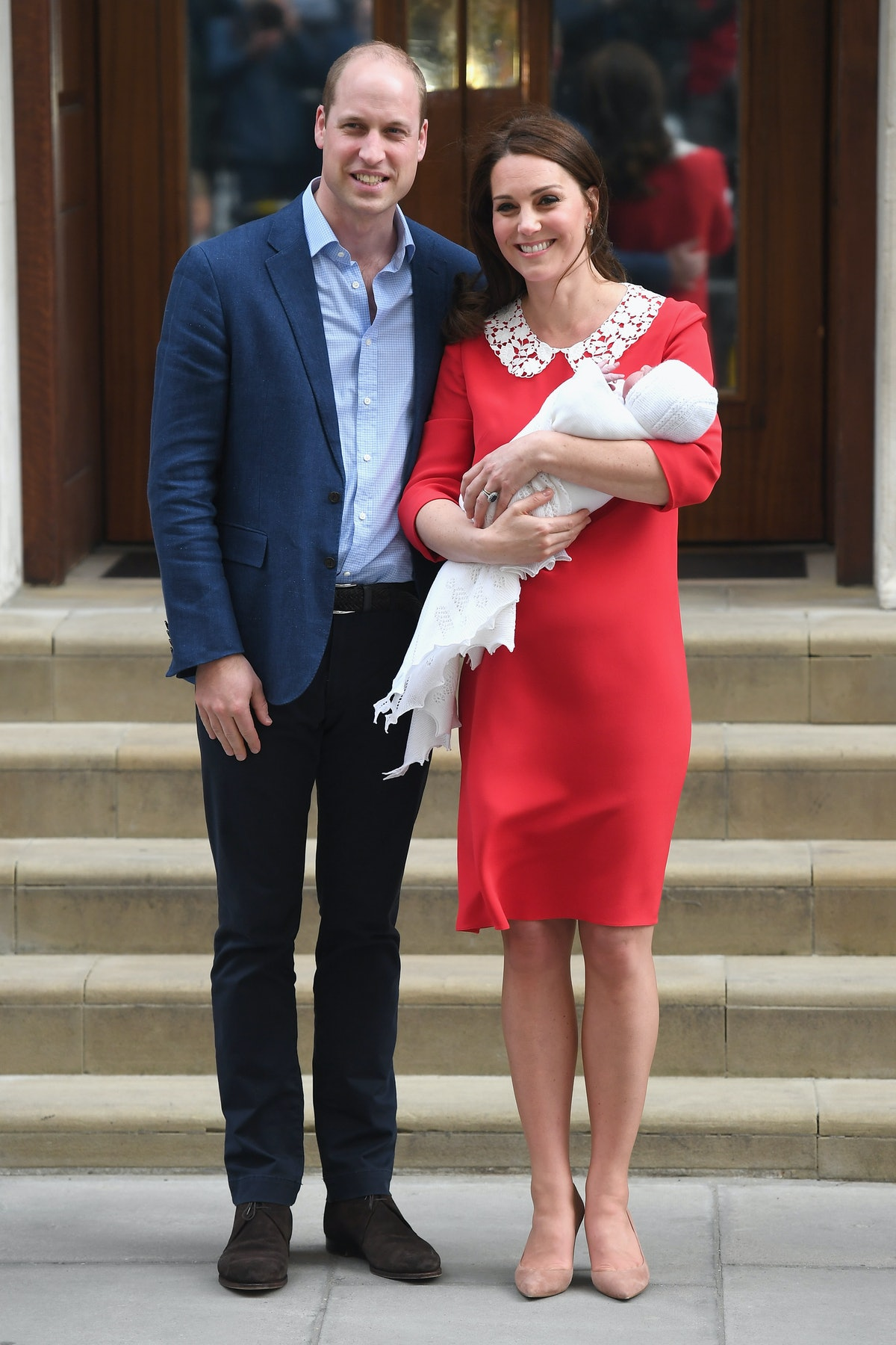 kate-middleton-prince-william-leaving-hospital-royal-baby-03.jpg