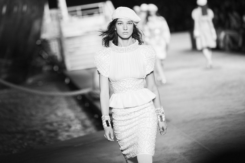 LOWE_CHANEL CRUISE 2018_19_PARIS__373.jpg
