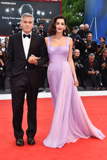 George in a tux, Amal in a lavender gown
