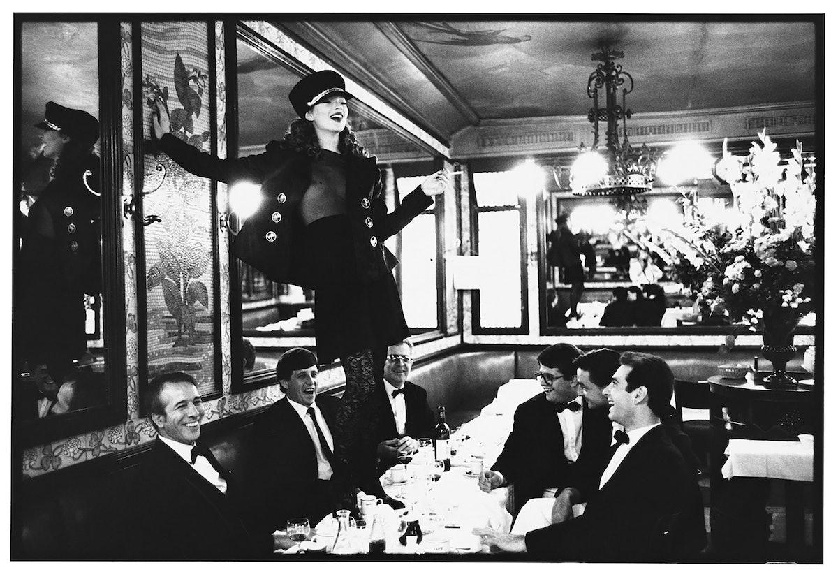 Elgort_Kate.Moss.Cafe.Lipp.Horizontal_HiRes.jpg