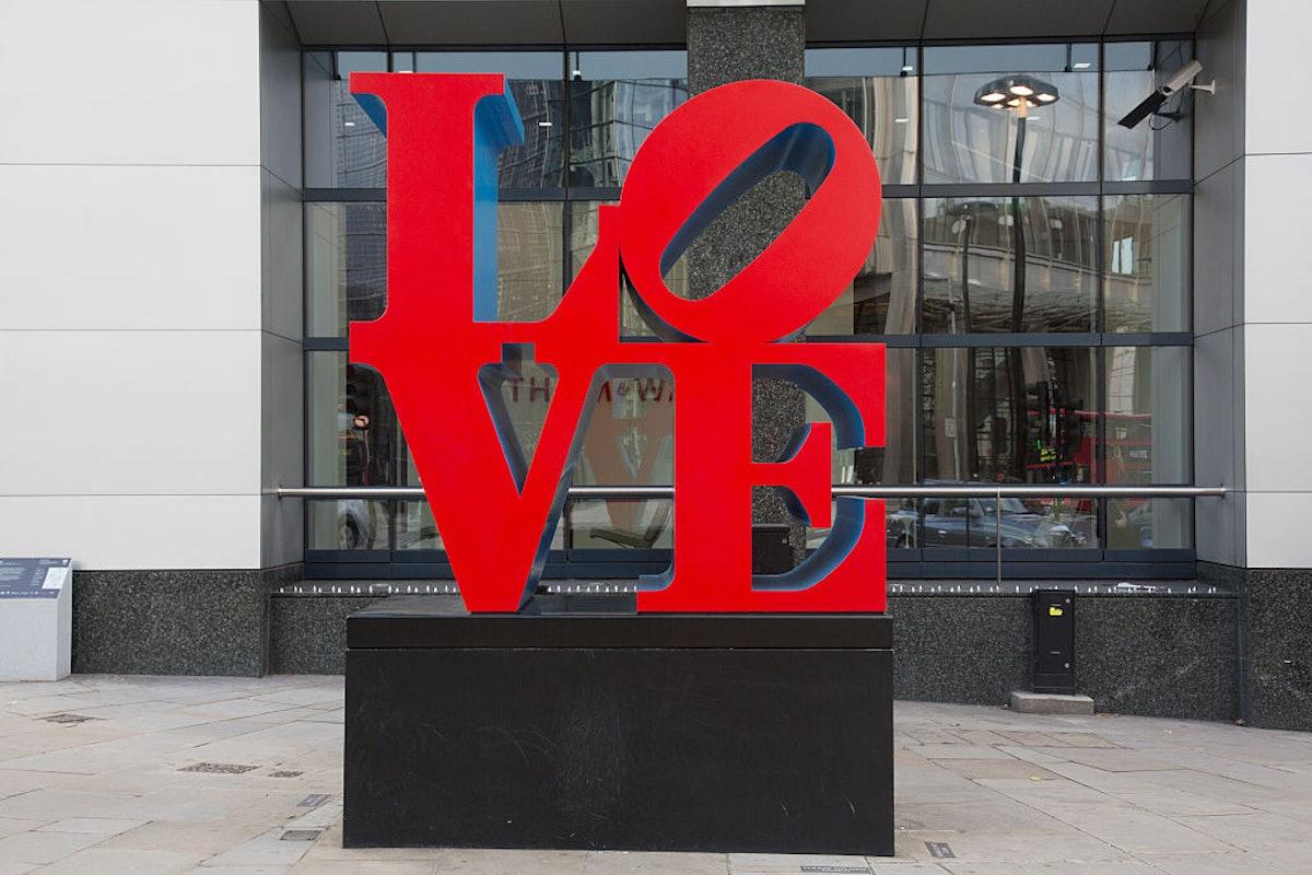 UK - London - Love sculpture artwork