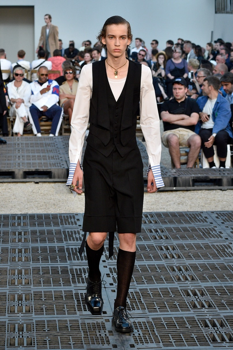 Alexander McQueen: Runway - Paris Fashion Week - Menswear Spring/Summer 2019