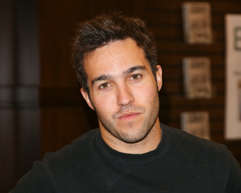 "Pete Wentz Signs Copies Of His Book ""Gray"""