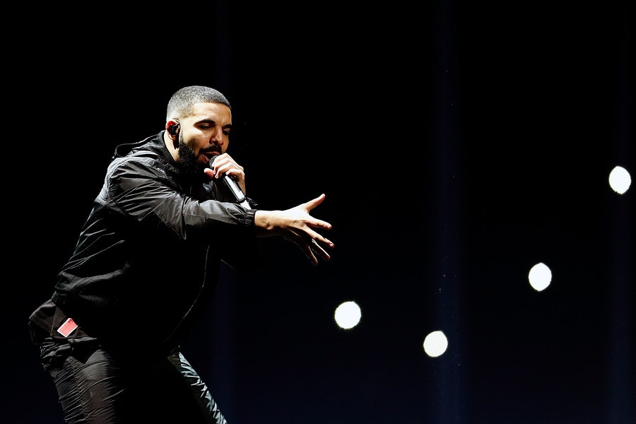 """Drake Confirms he has a son """"The Kid Is Mine"""" on His New Album Scorpion lead"""