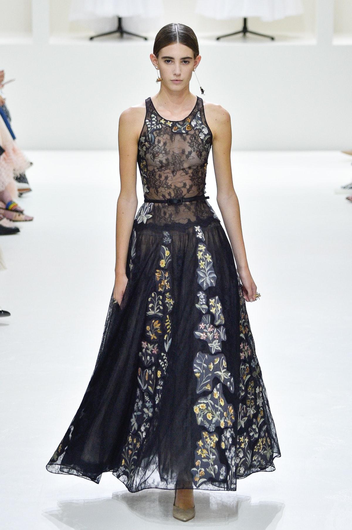 Christian Dior : Runway - Paris Fashion Week - Haute Couture Fall Winter 2018/2019