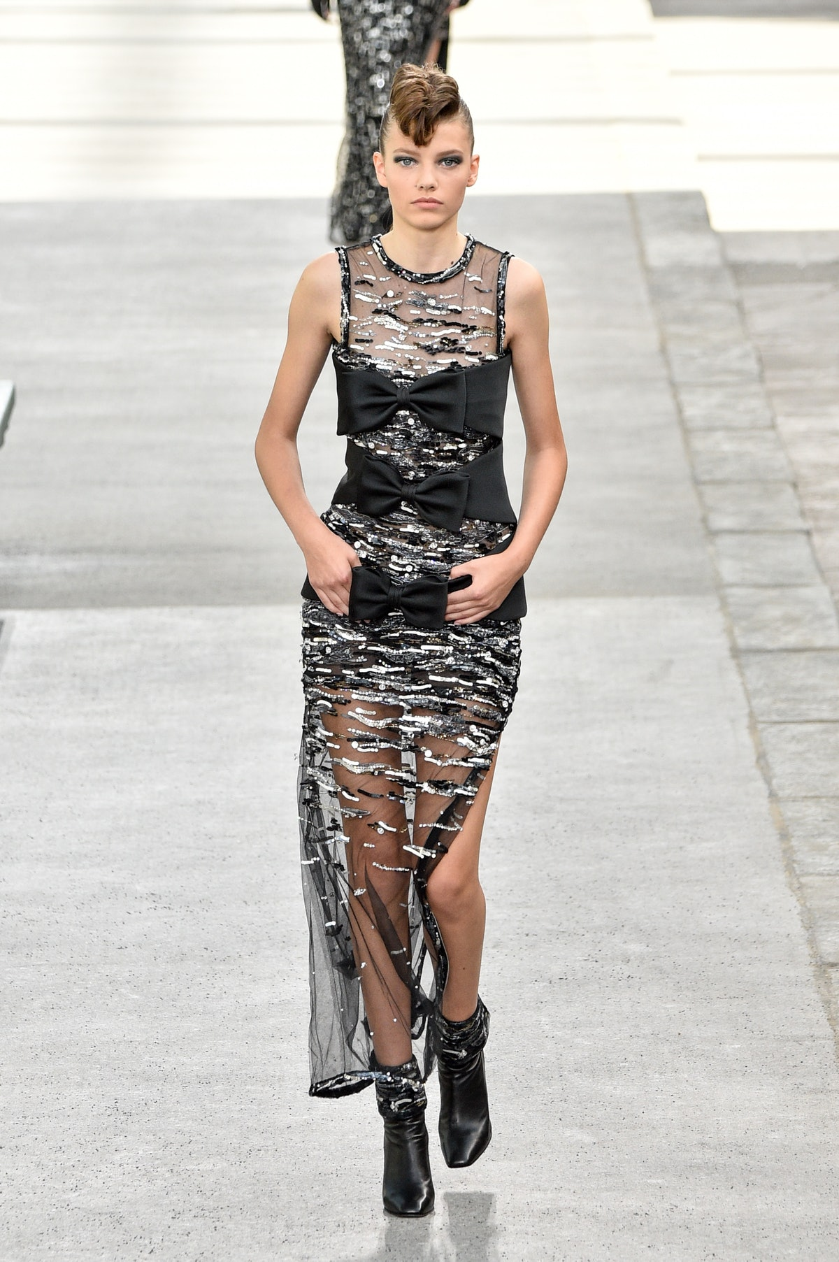 Chanel : Runway - Paris Fashion Week - Haute Couture Fall Winter 2018/2019