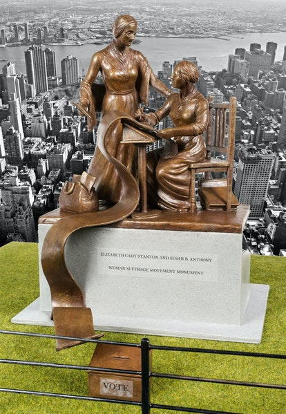 central-park-women-statue_modified.jpg