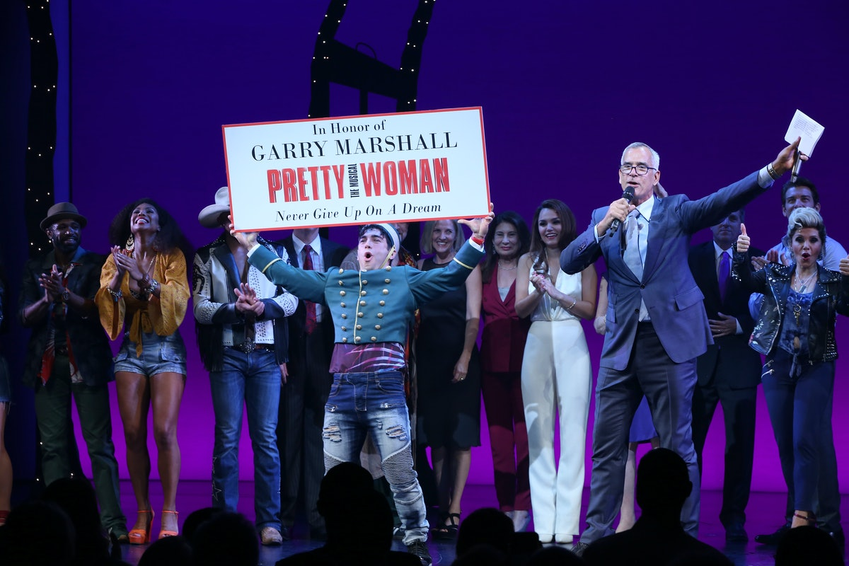 Julia Roberts Catches Broadway's Pretty Woman: The Musical to Honor Director Garry Marshall 2