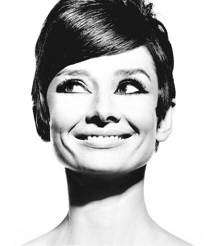 Audrey Hepburn, 1965, Douglas Kirkland.jpg