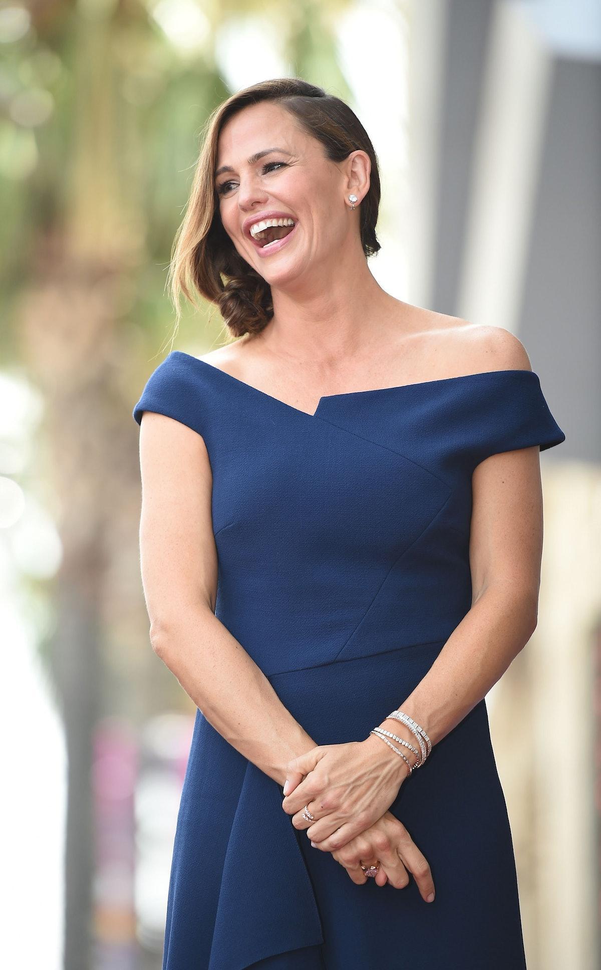 Jennifer Garner Wore the Exact Dress That Meghan Markle Wore 2