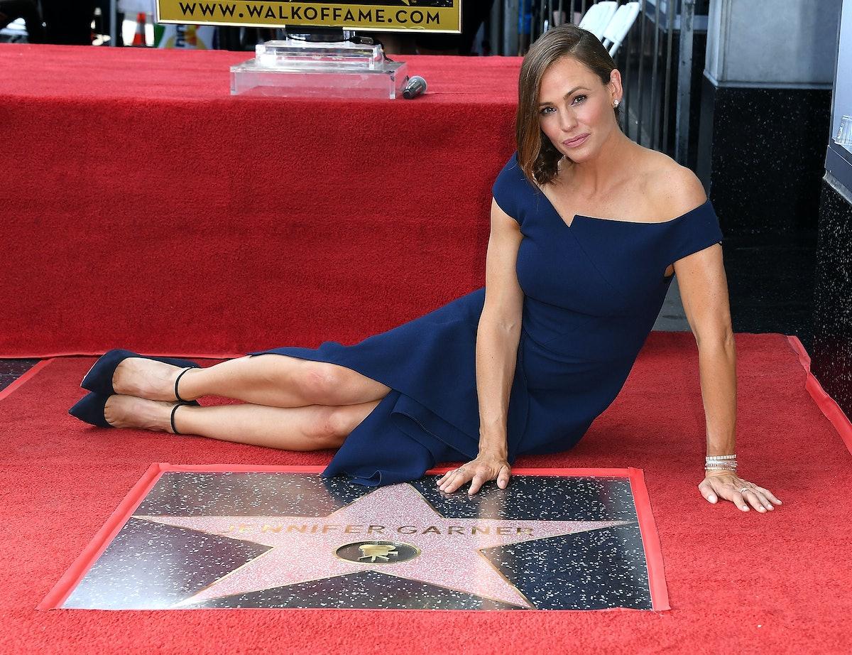 Jennifer Garner Wore the Exact Dress That Meghan Markle Wore 4