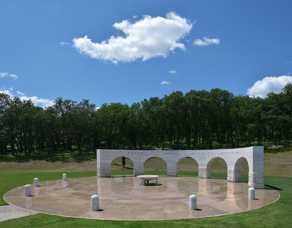 Monument.jpg