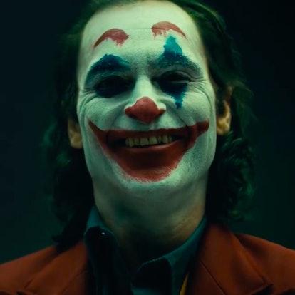 joaquin phoenix the joker makeup.png