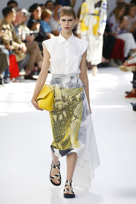 Dries Van Noten : Runway - Paris Fashion Week Womenswear Spring/Summer 2019