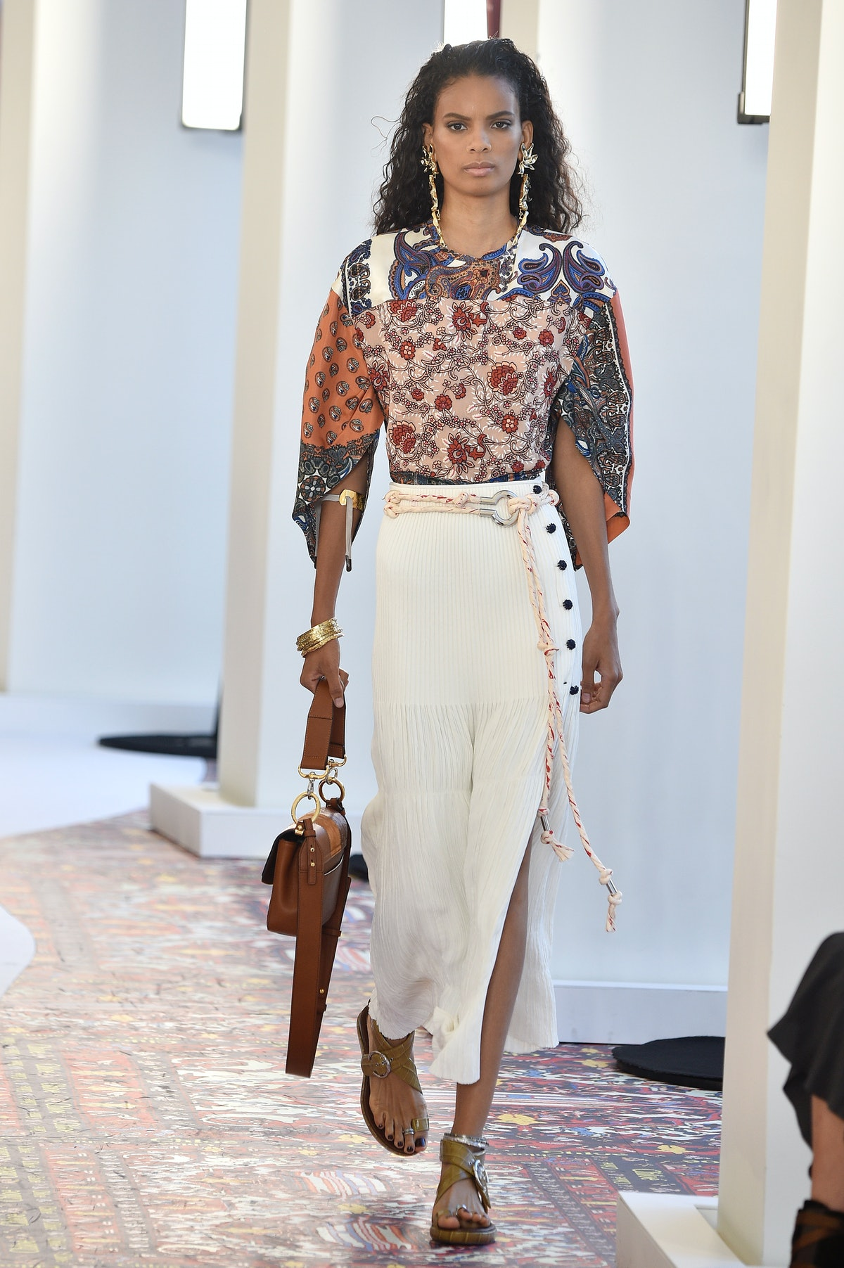 Chloe : Runway - Paris Fashion Week Womenswear Spring/Summer 2019