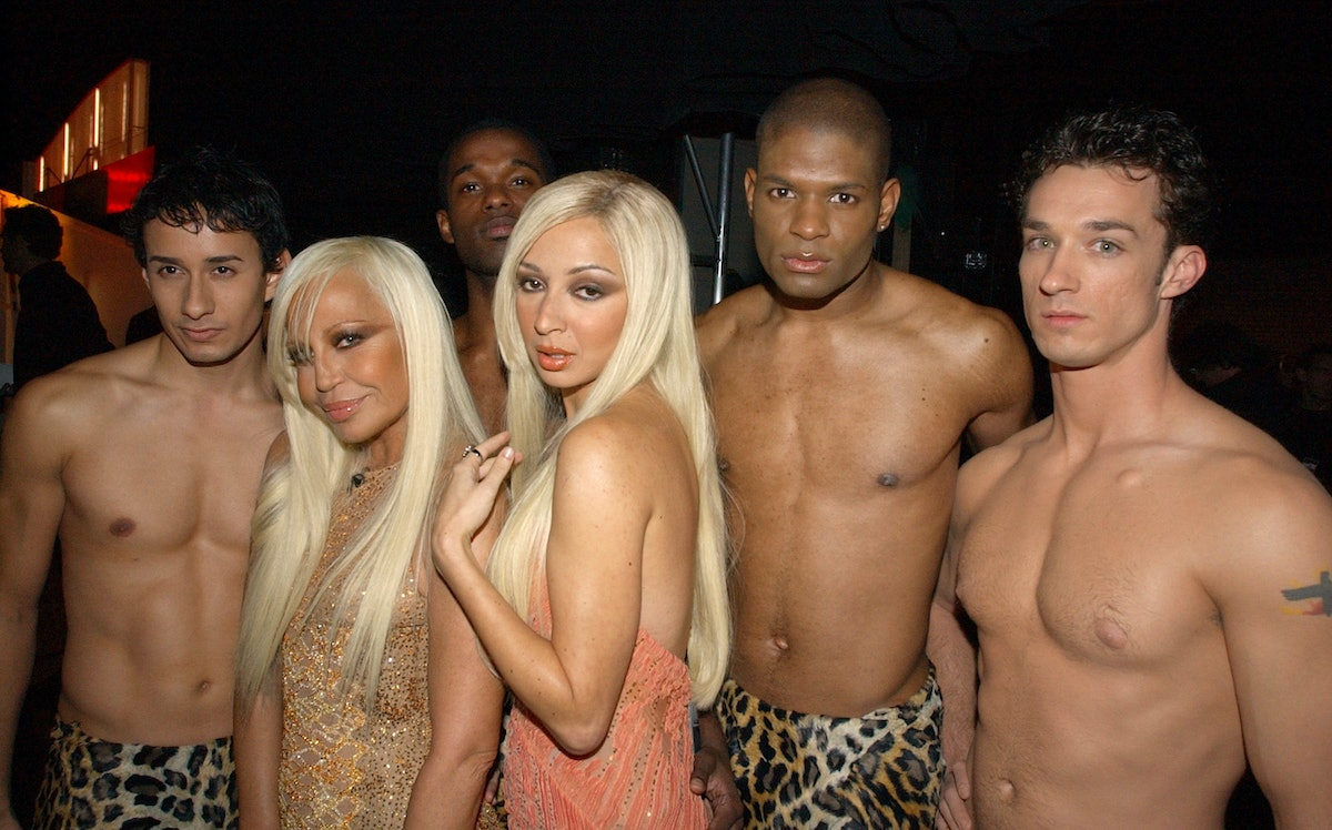2002 VH1 Vogue Fashion Awards - Backstage and Audience