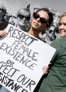 Amy Schumer and Emily Ratajkowski arrested in Kavanaugh protests LEAD