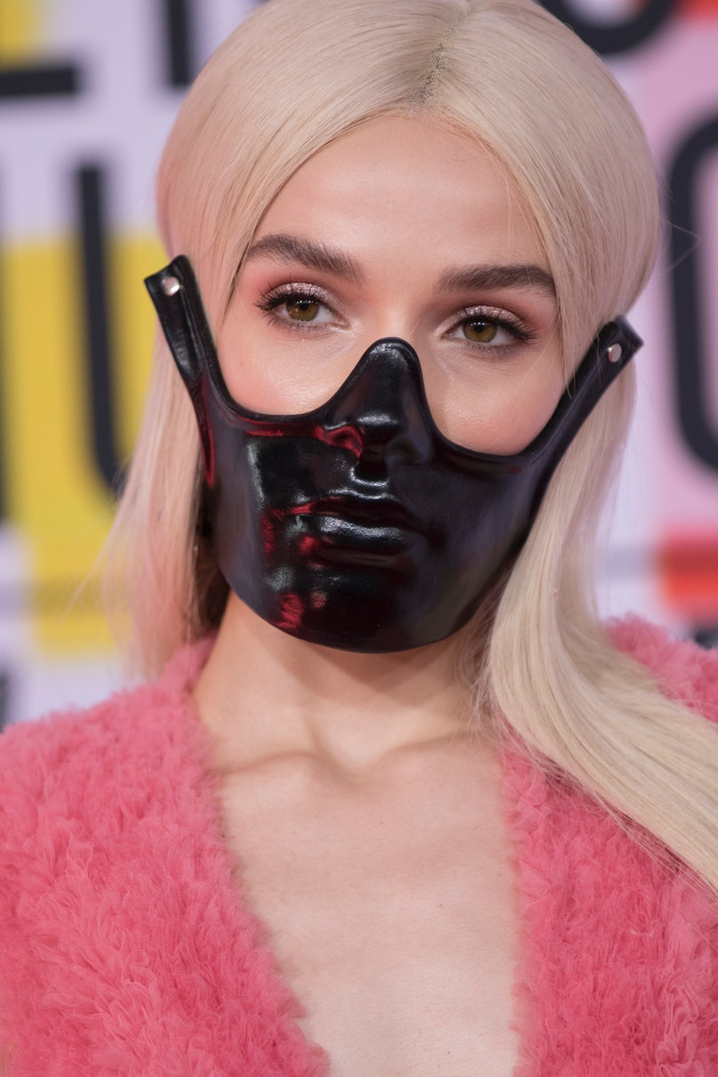 POPPY Wears A Black Mask At The AMAs 3