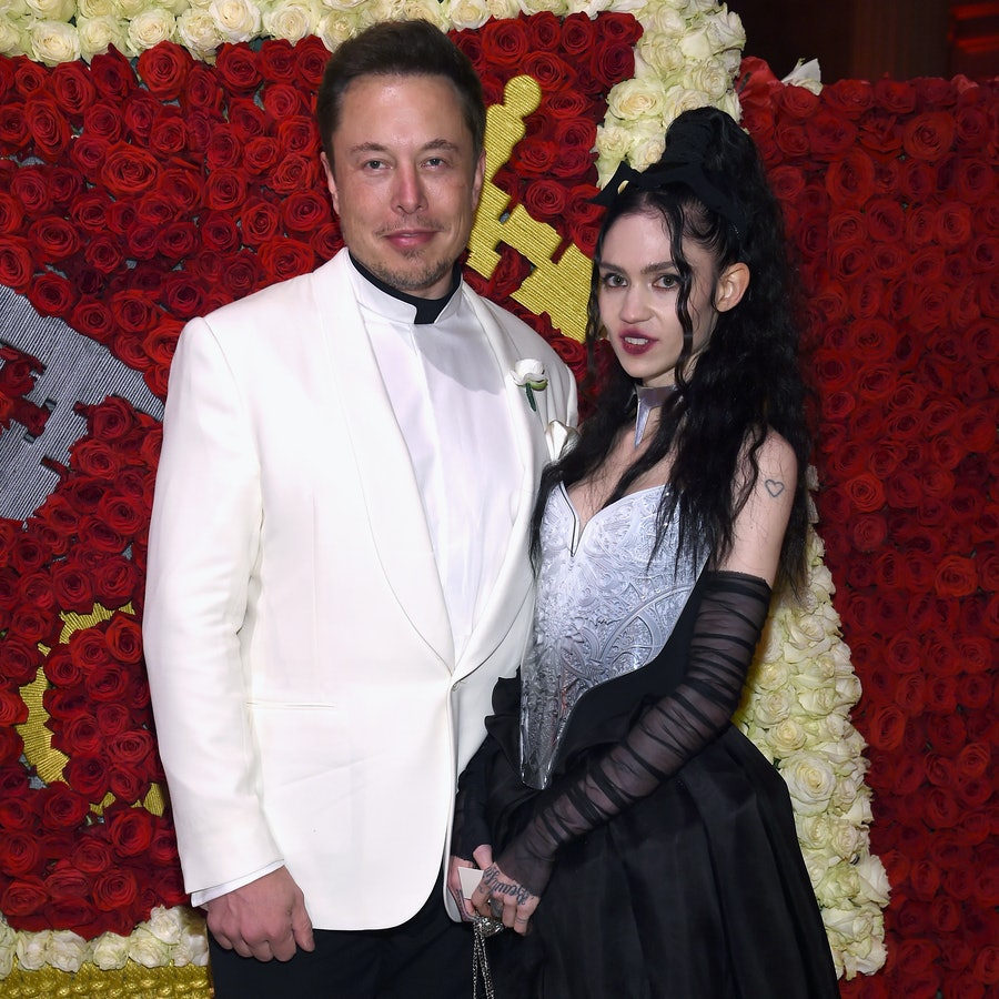 Elon Musk and Grimes Visit A Pumpkin Patch with His 5 Sons LEAD