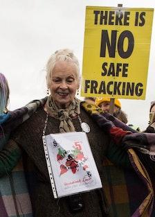 BRITAIN-ENERGY-NATURAL-GAS-ENVIRONMENT-COURT-POLITICS