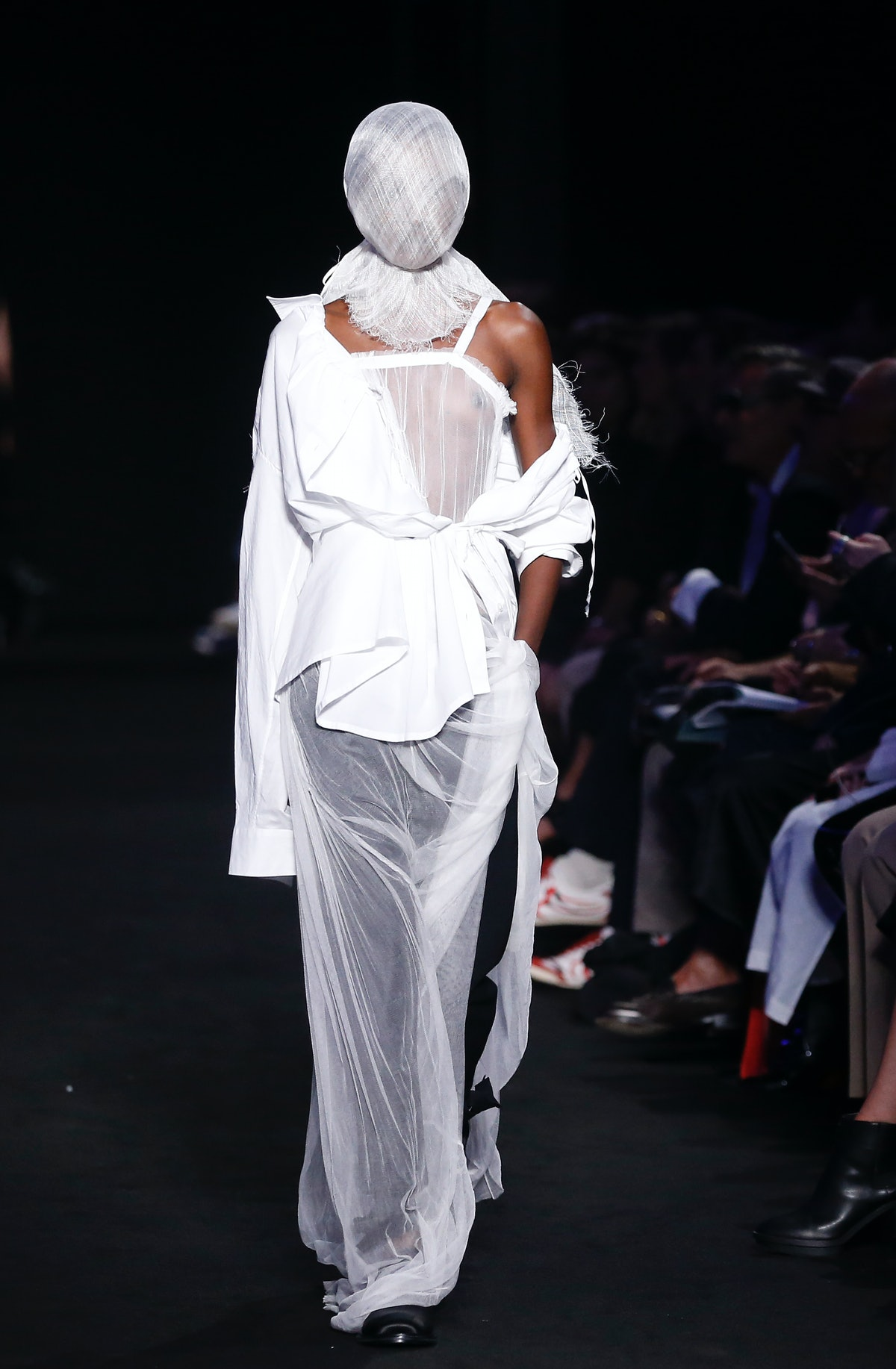 Ann Demeulemeester : Runway - Paris Fashion Week Womenswear Spring/Summer 2019