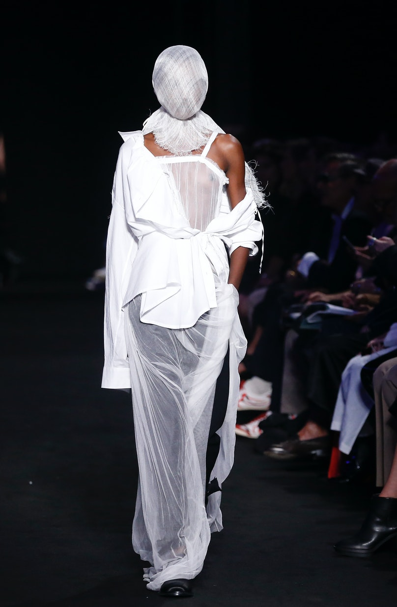 Ann Demeulemeester : Runway - Paris Fashion Week Womenswear Spring/Summer 2019