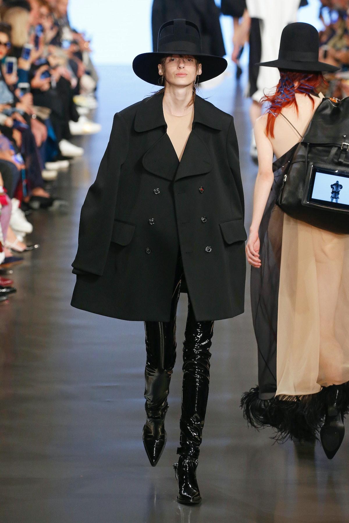 Maison Margiela : Runway - Paris Fashion Week Womenswear Spring/Summer 2019