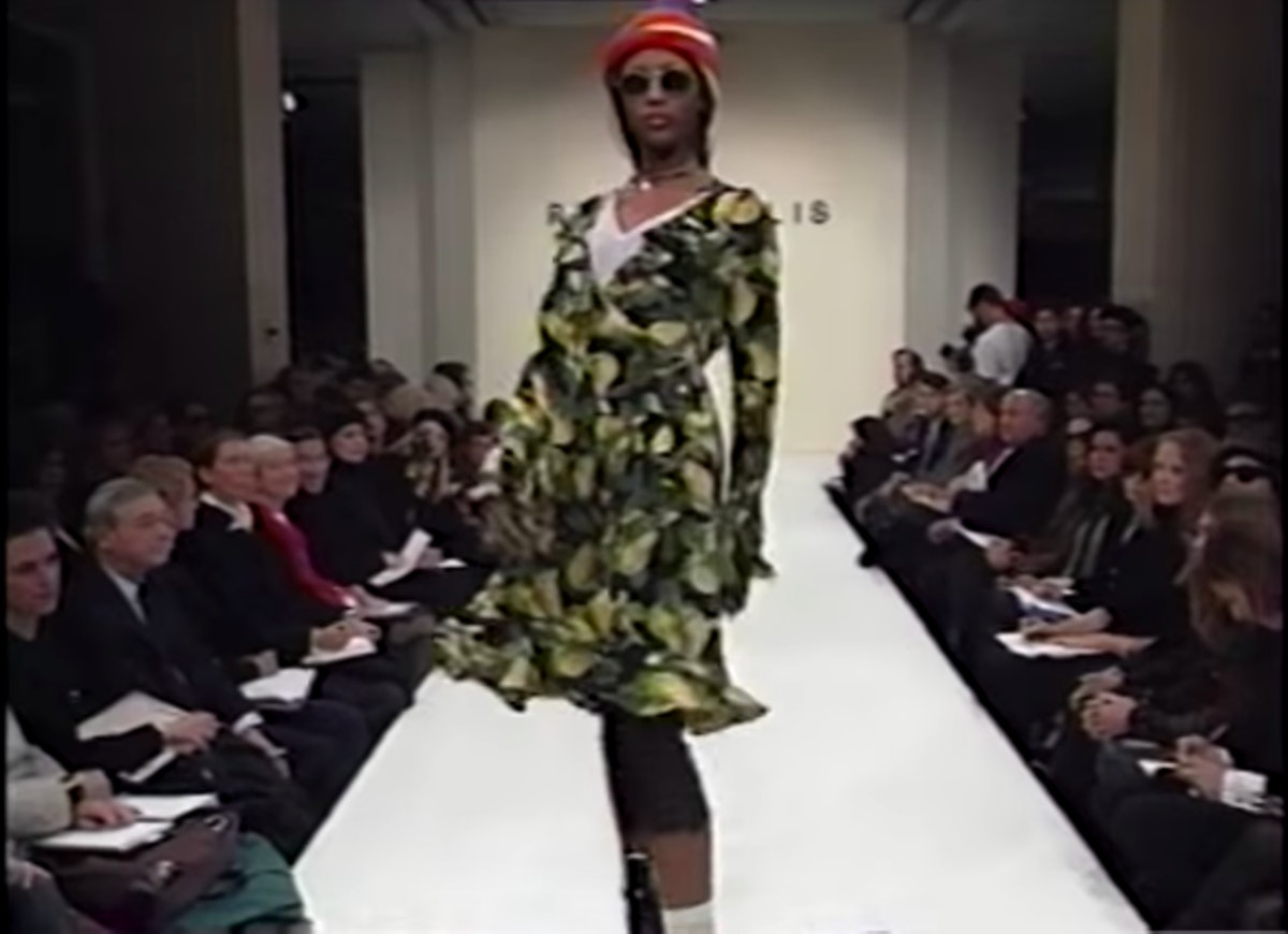 marc jacobs perry ellis grunge 1993 naomi campbell model.png