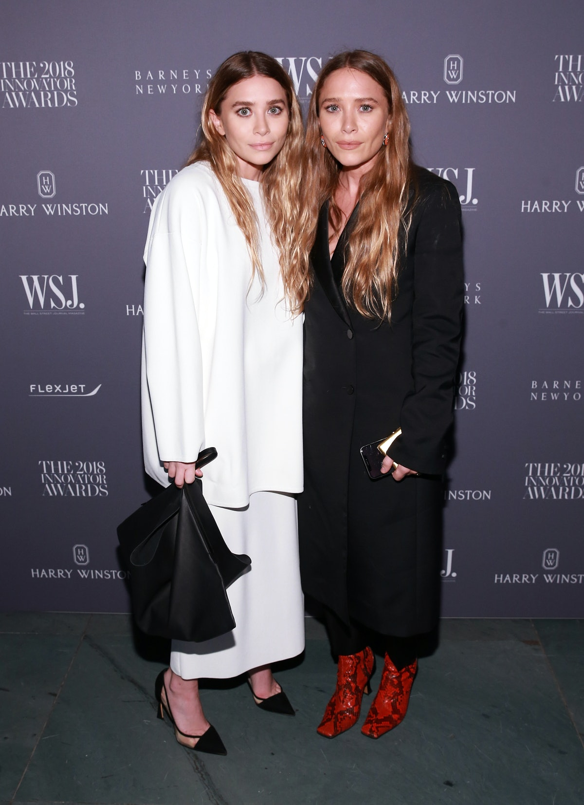 Mary-Kate and Ashley Olsen embed