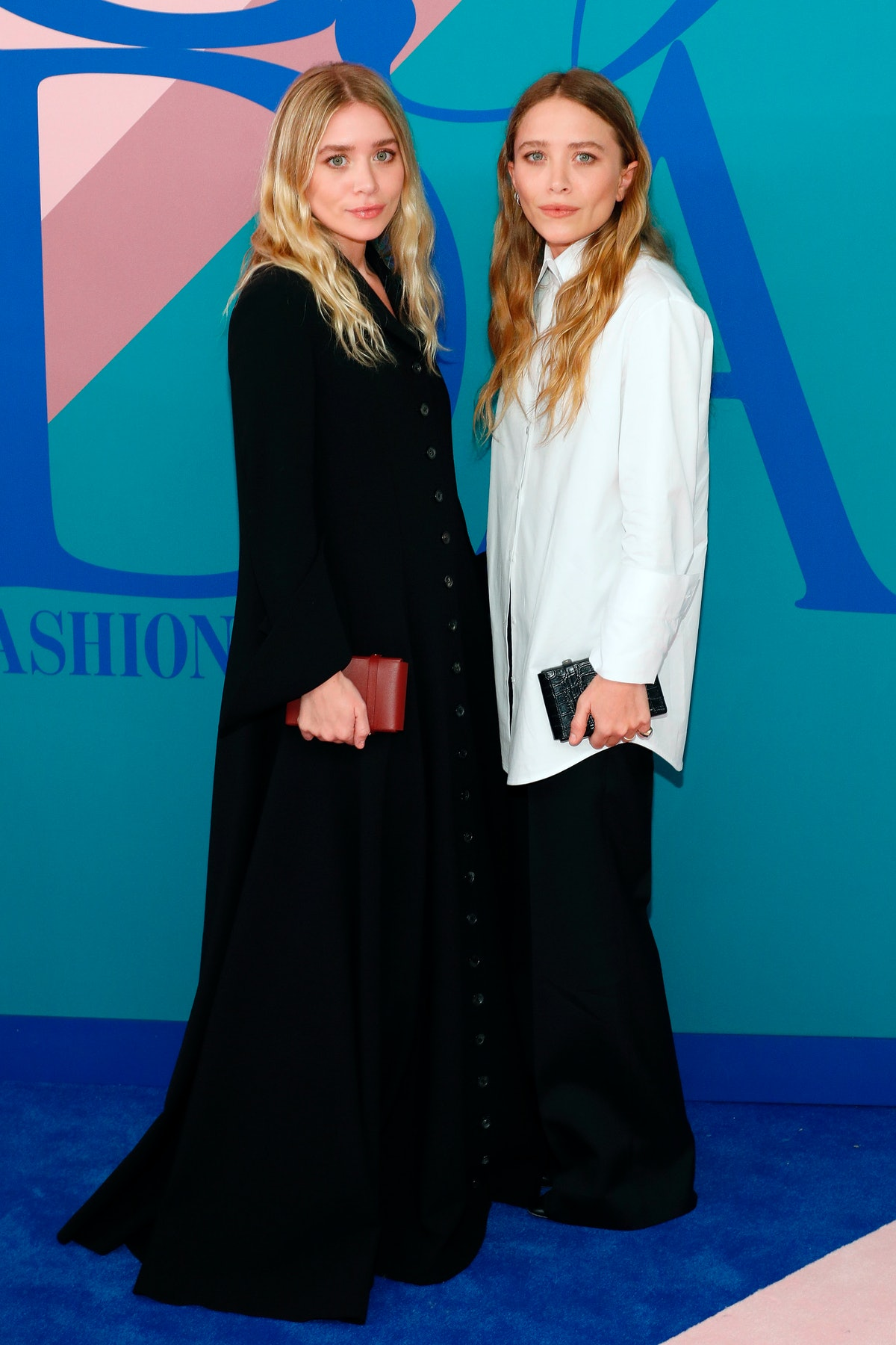 Mary-Kate and Ashley Olsen embed 2