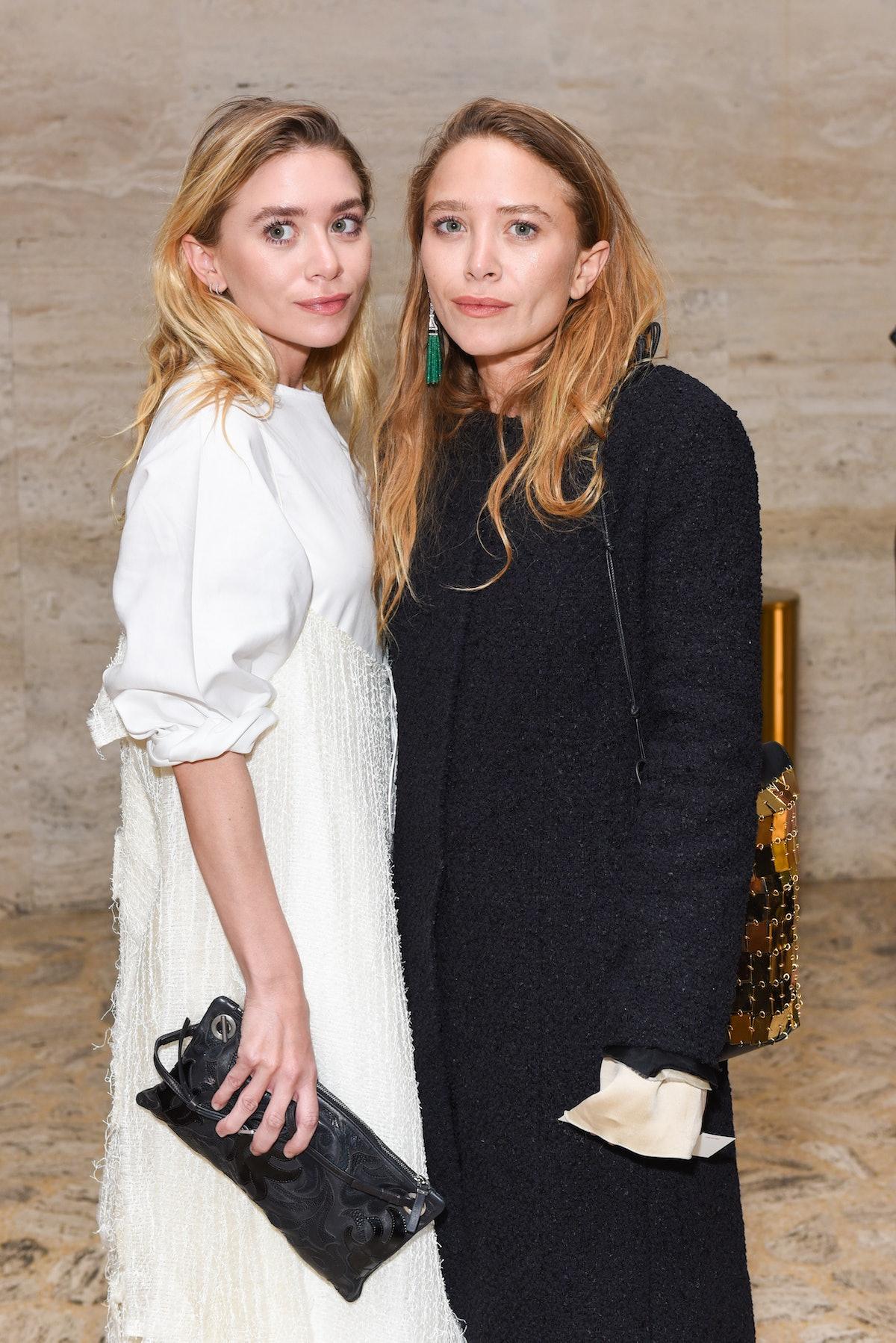 Mary-Kate and Ashley Olsen embed 3
